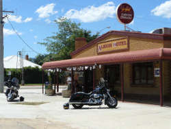 Albion Hotel Swifts Creek - Pubs and Clubs