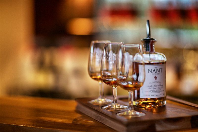 Nant Whisky Bar Salamanca - Pubs and Clubs