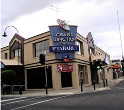 Grand Junction Hotel - Pubs and Clubs