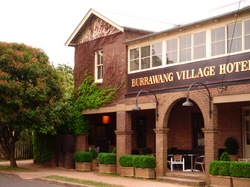 Burrawang Village Hotel - Pubs and Clubs