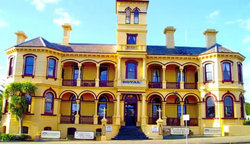 The Queenscliff Historic Royal Hotel - Pubs and Clubs