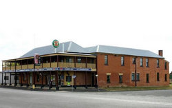 Bundarra Hotel - Pubs and Clubs