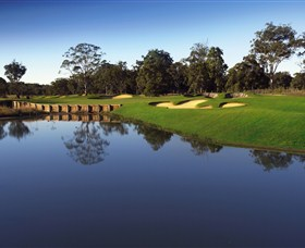 Kooindah Waters Golf Club - Pubs and Clubs