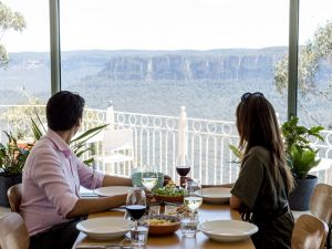 Christmas Day Lunch at The Lookout Echo Point - Pubs and Clubs