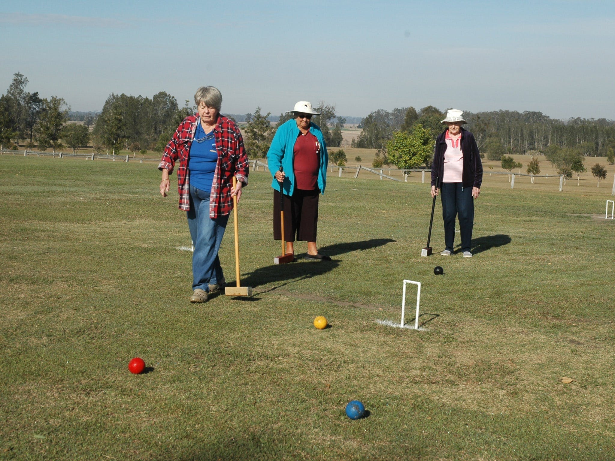 Lawrence Croquet Club - Pubs and Clubs