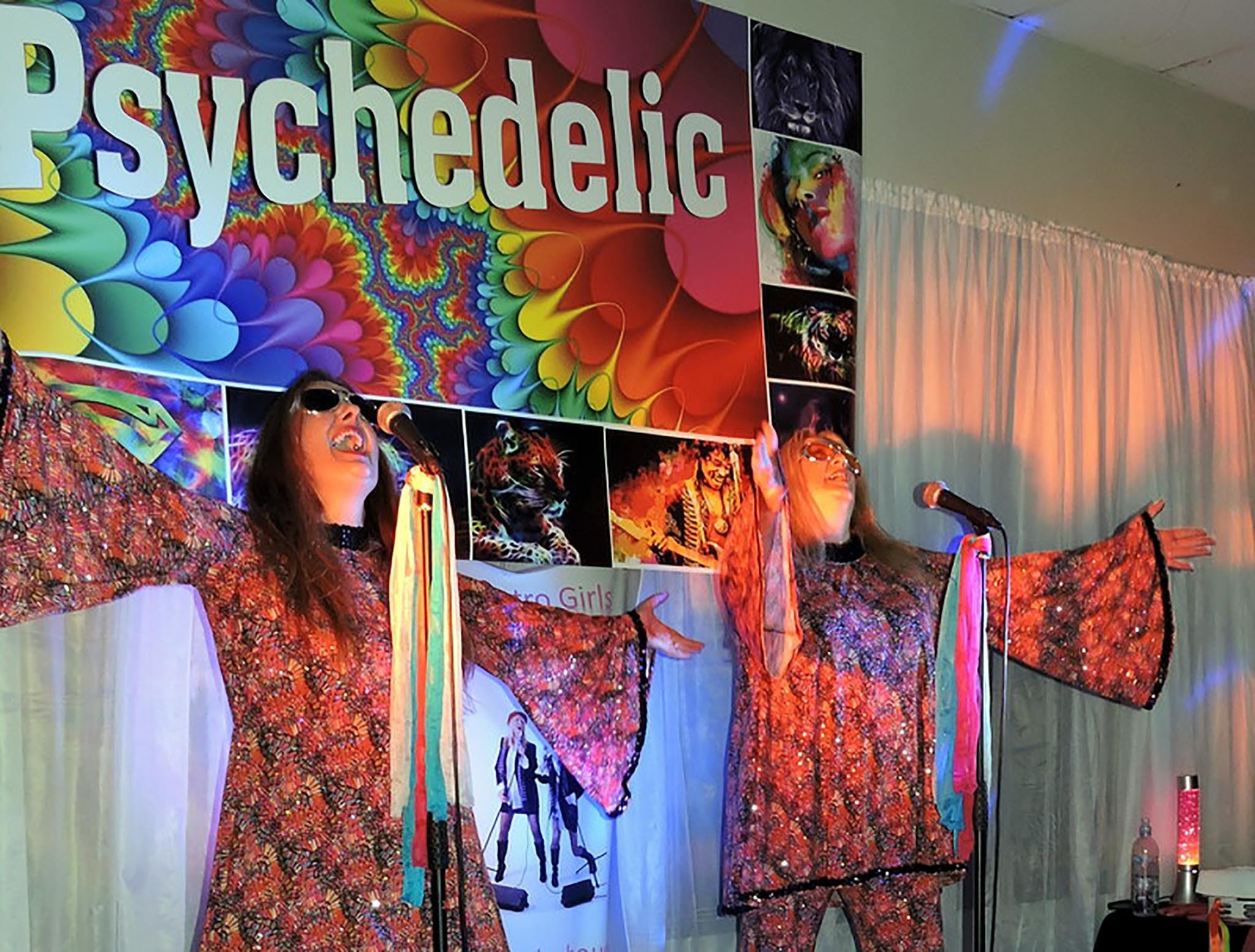 Psychedelic 70s Show The Retro Girls - Pubs and Clubs