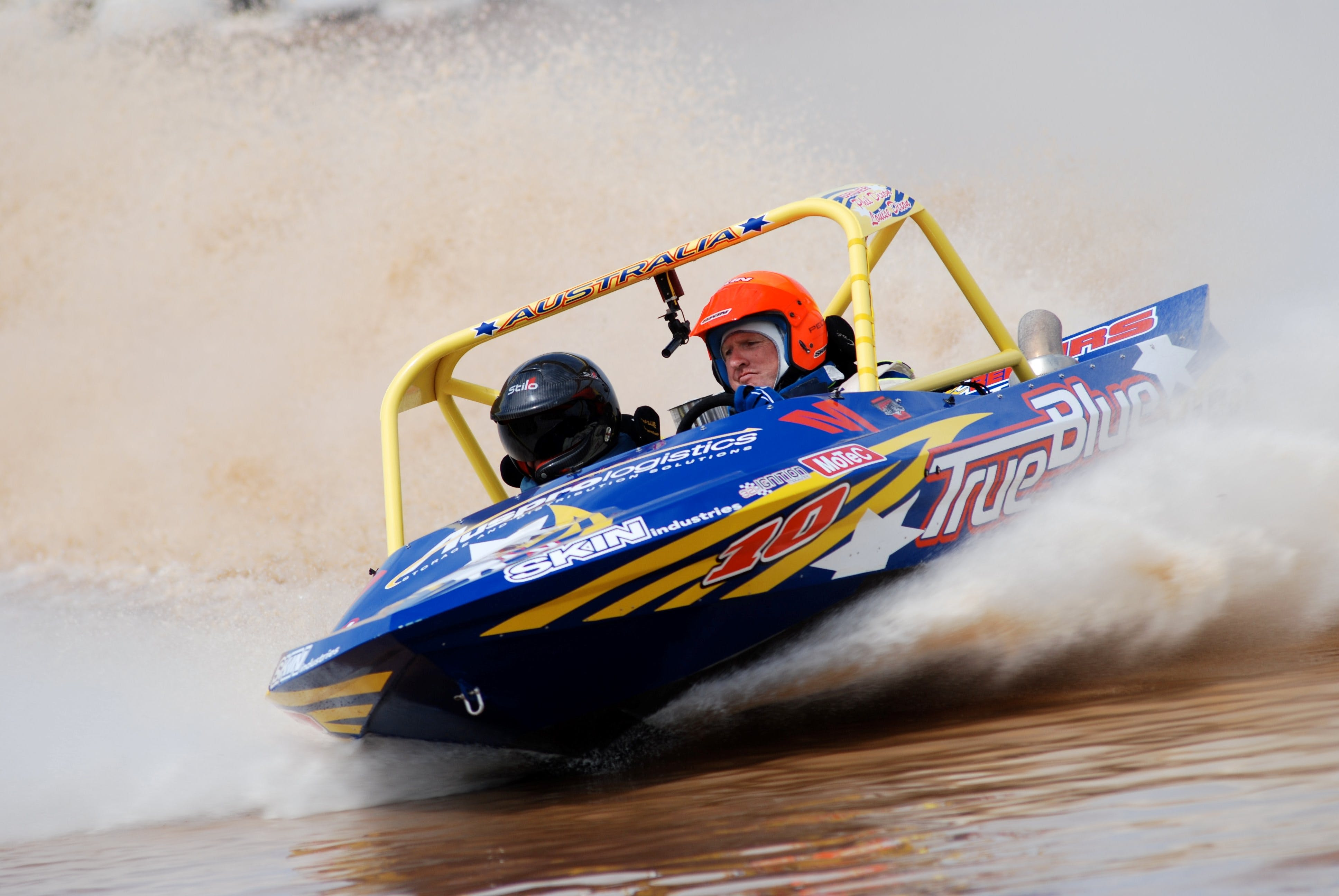 V8 Superboats - Pubs and Clubs