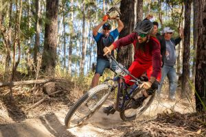 Fox Superflow sealed by Stan's Race  Jolly Nose - Pubs and Clubs