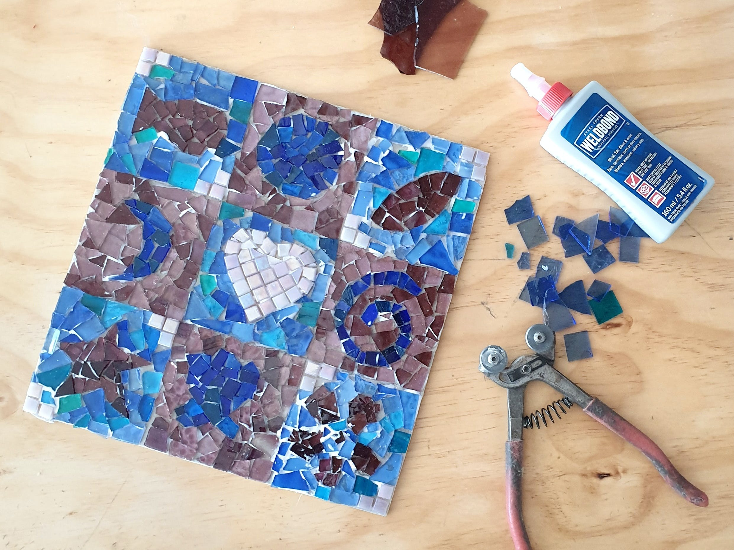 Intro to Mosaics Weekend with Leadlight By Ettore - Pubs and Clubs