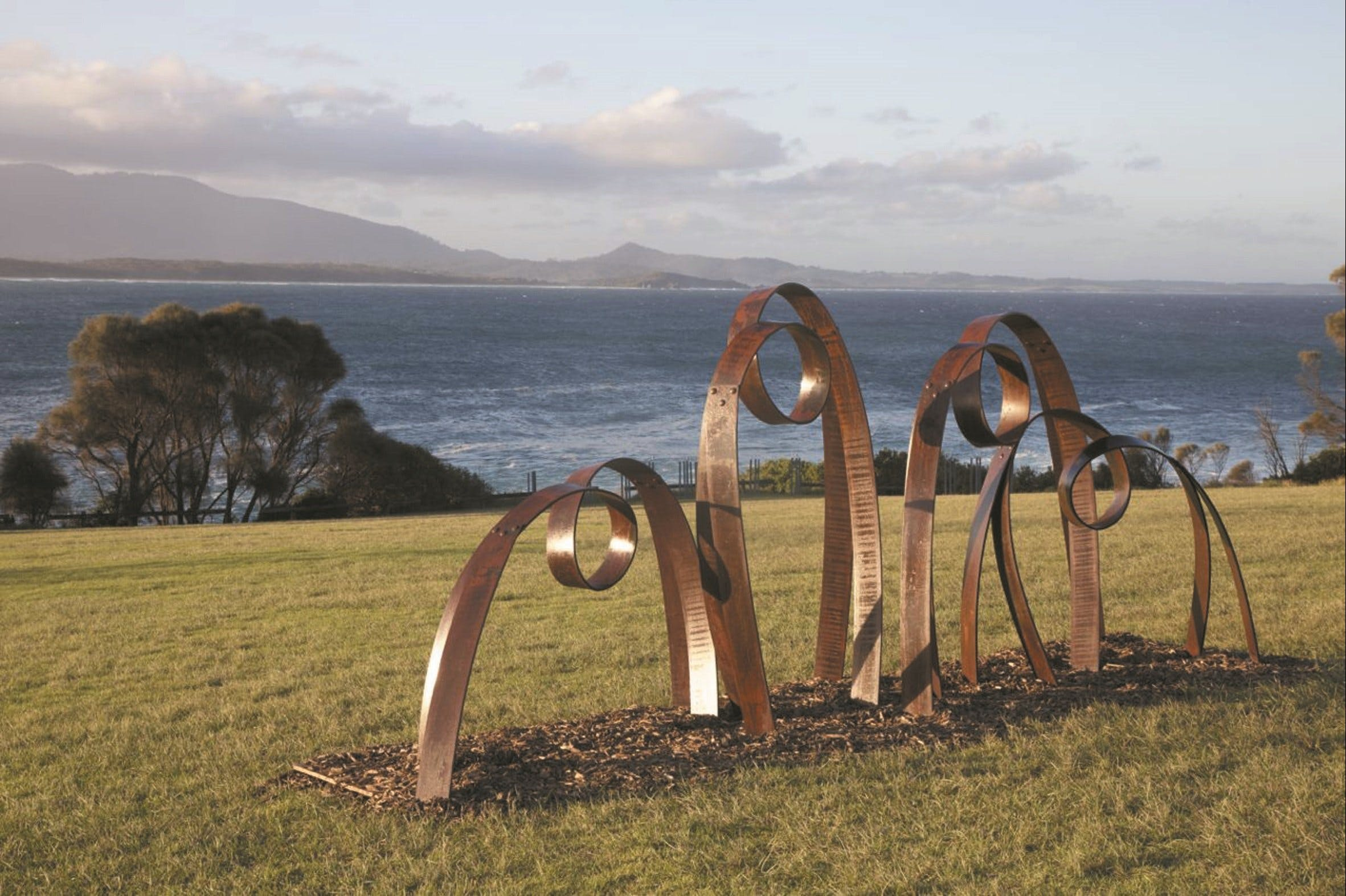 Sculpture Bermagui - Pubs and Clubs