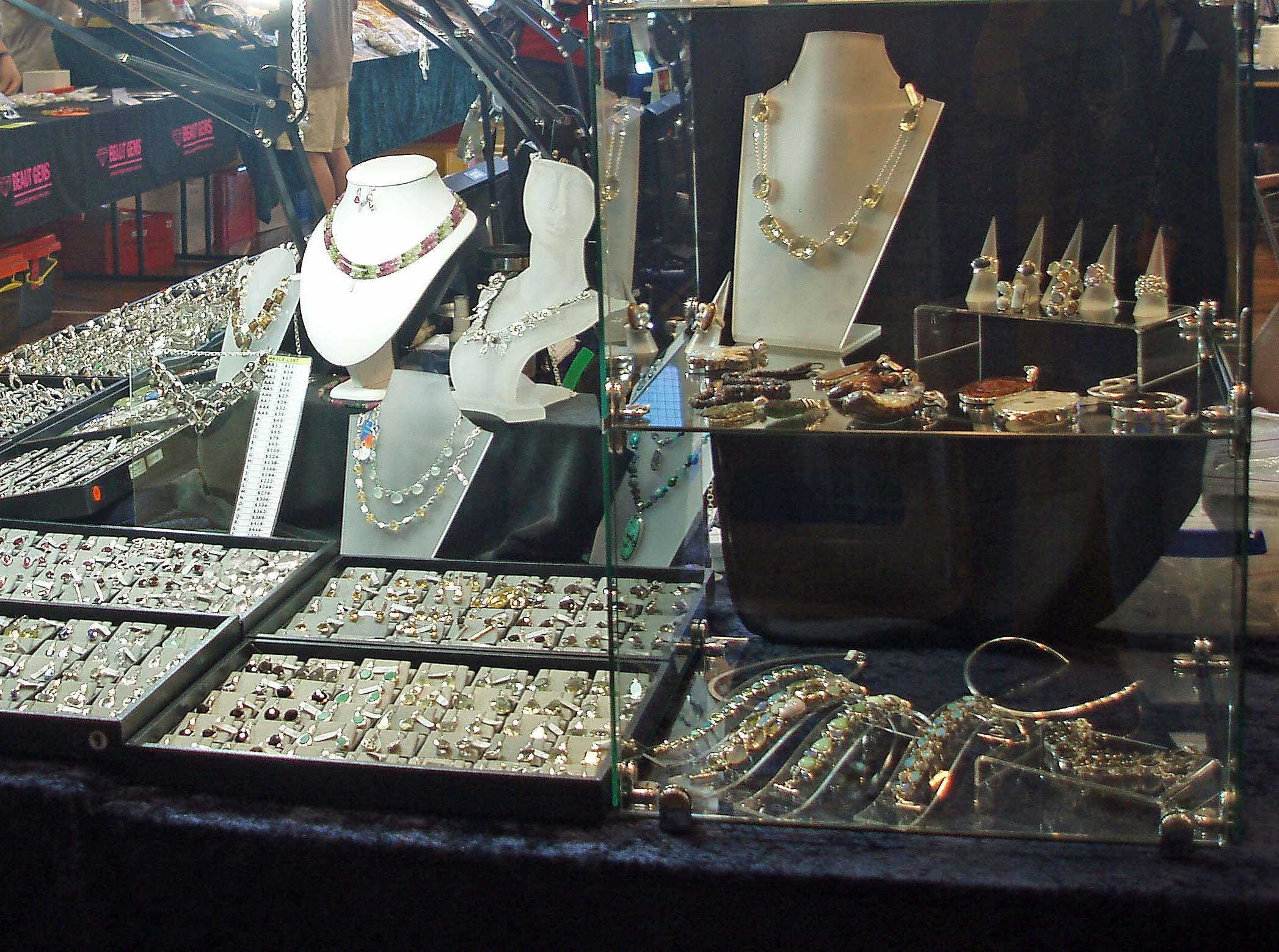 Toowoomba Gemfest - Gems and Jewellery - Pubs and Clubs