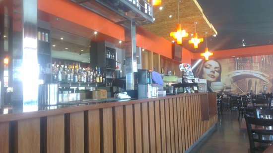 Madison's Wood Fired Cafe - Pubs and Clubs
