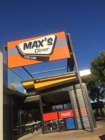 Max's Diner - Pubs and Clubs