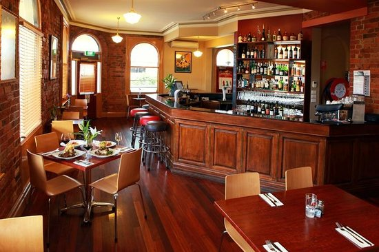 The Albion Kyneton - Pubs and Clubs