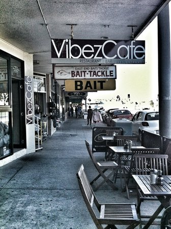 Vibez Cafe and Wine bar - Pubs and Clubs
