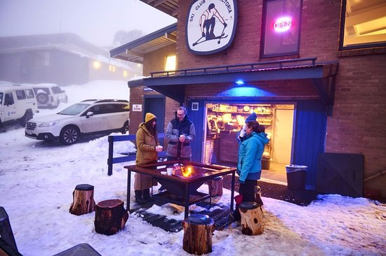 The Whitt Restaurant at Mount Buller - Pubs and Clubs