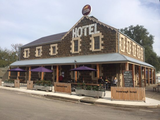 Inverleigh Hotel - Pubs and Clubs