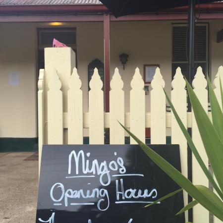 Mingo's at the Junction - Pubs and Clubs