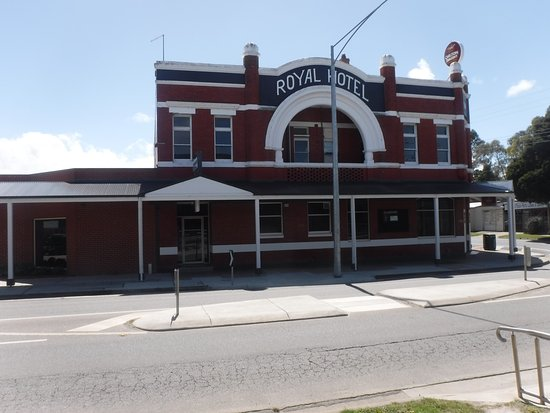 Royal Hotel - Pubs and Clubs