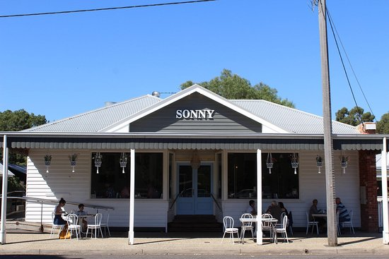 Sonny Cafe House of Sonny - Pubs and Clubs