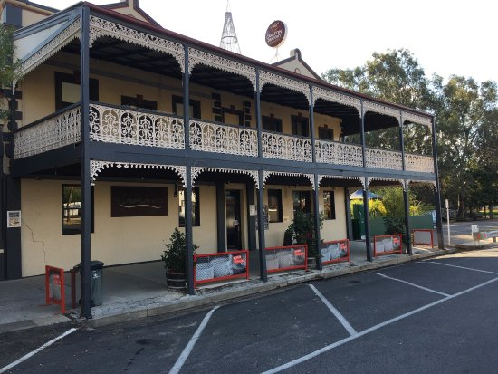The Creekside Hotel - Pubs and Clubs