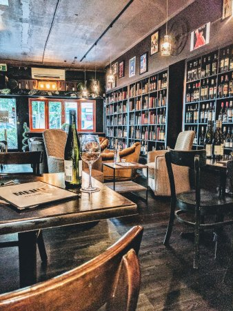 The Lane Winebar and Restaurant - Pubs and Clubs