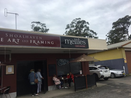 Mellies Cafe Gallery - Pubs and Clubs
