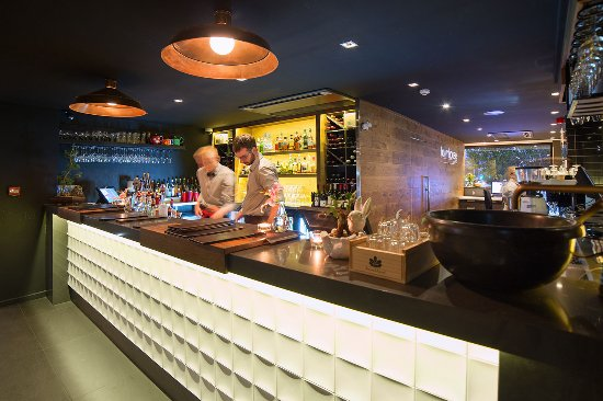 The Oakroom Kitchen and Bar - Pubs and Clubs
