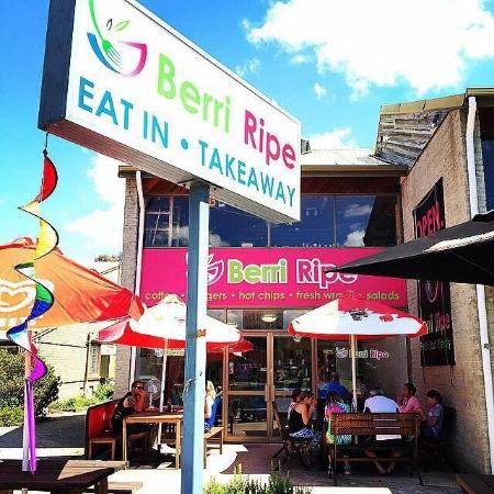 Berri Ripe Cafe  Takeaway - Pubs and Clubs