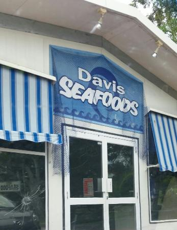 Davis Seafoods - Pubs and Clubs
