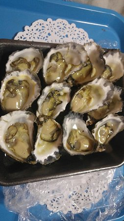 Armstrongs Oysters - Pubs and Clubs