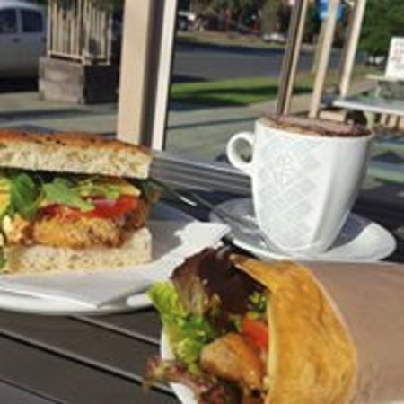 Deniliquin Bakery - Pubs and Clubs