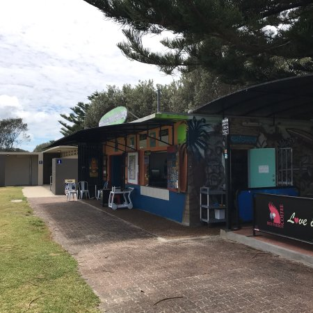 Lakes Beach Cafe - Pubs and Clubs
