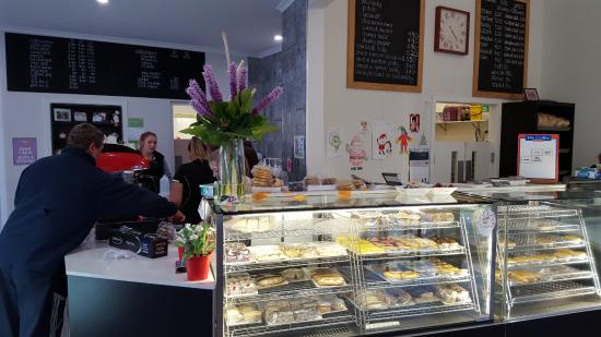 Tumut's Pie in the Sky Bakery - Pubs and Clubs