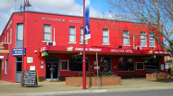 Woolpack Hotel Tumut - Pubs and Clubs