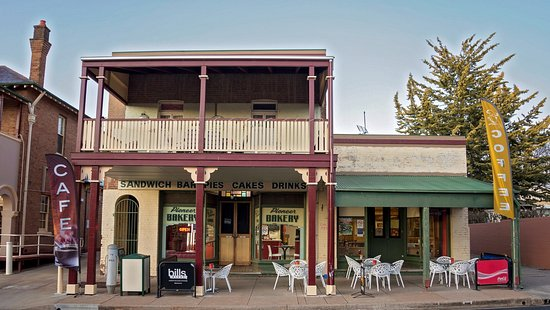Molong Bakery cafe - Pubs and Clubs