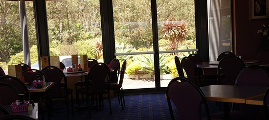 Tathra Beach Country Club - Pubs and Clubs