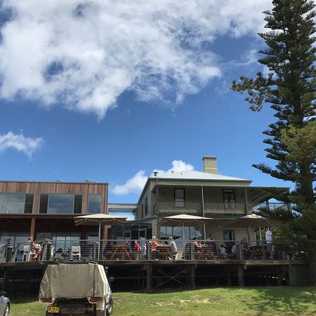 Tathra Hotel Bistro - Pubs and Clubs