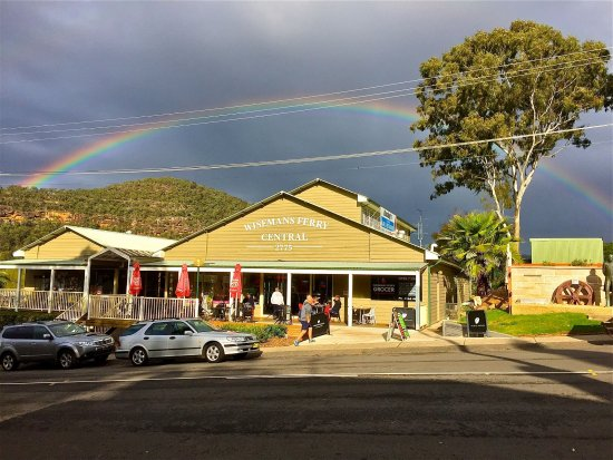 Wisemans Ferry Grocer Cafe - Pubs and Clubs