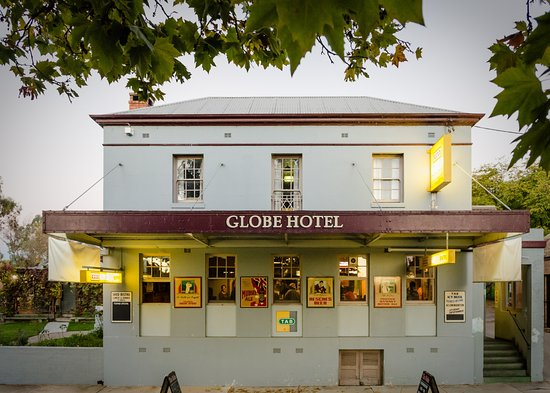 The Globe Hotel Restaurant - Pubs and Clubs