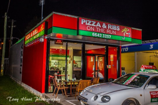 Pizza And Ribs On The Run - Pubs and Clubs