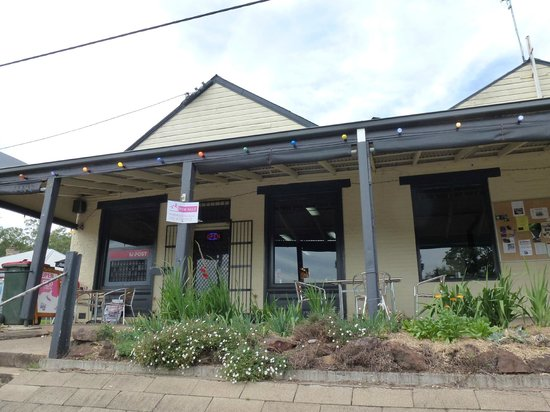 Wallabadah General Store - Pubs and Clubs