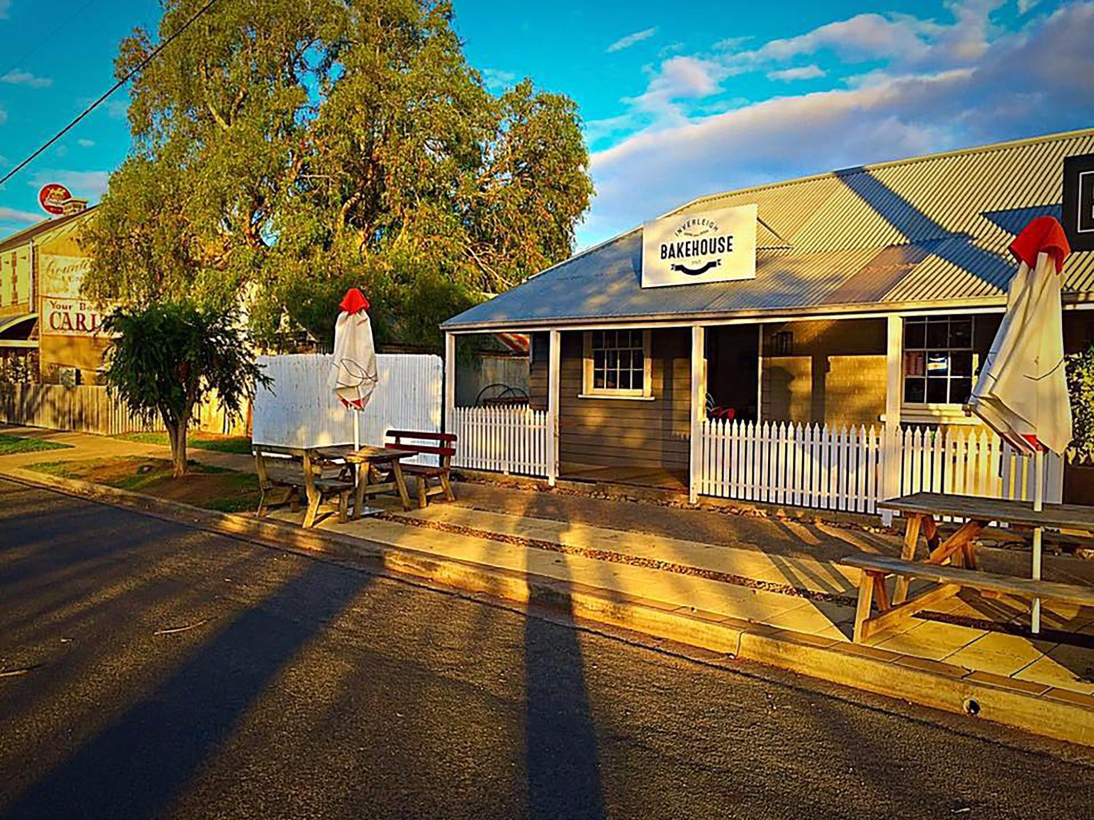 Inverleigh Bakehouse - Pubs and Clubs