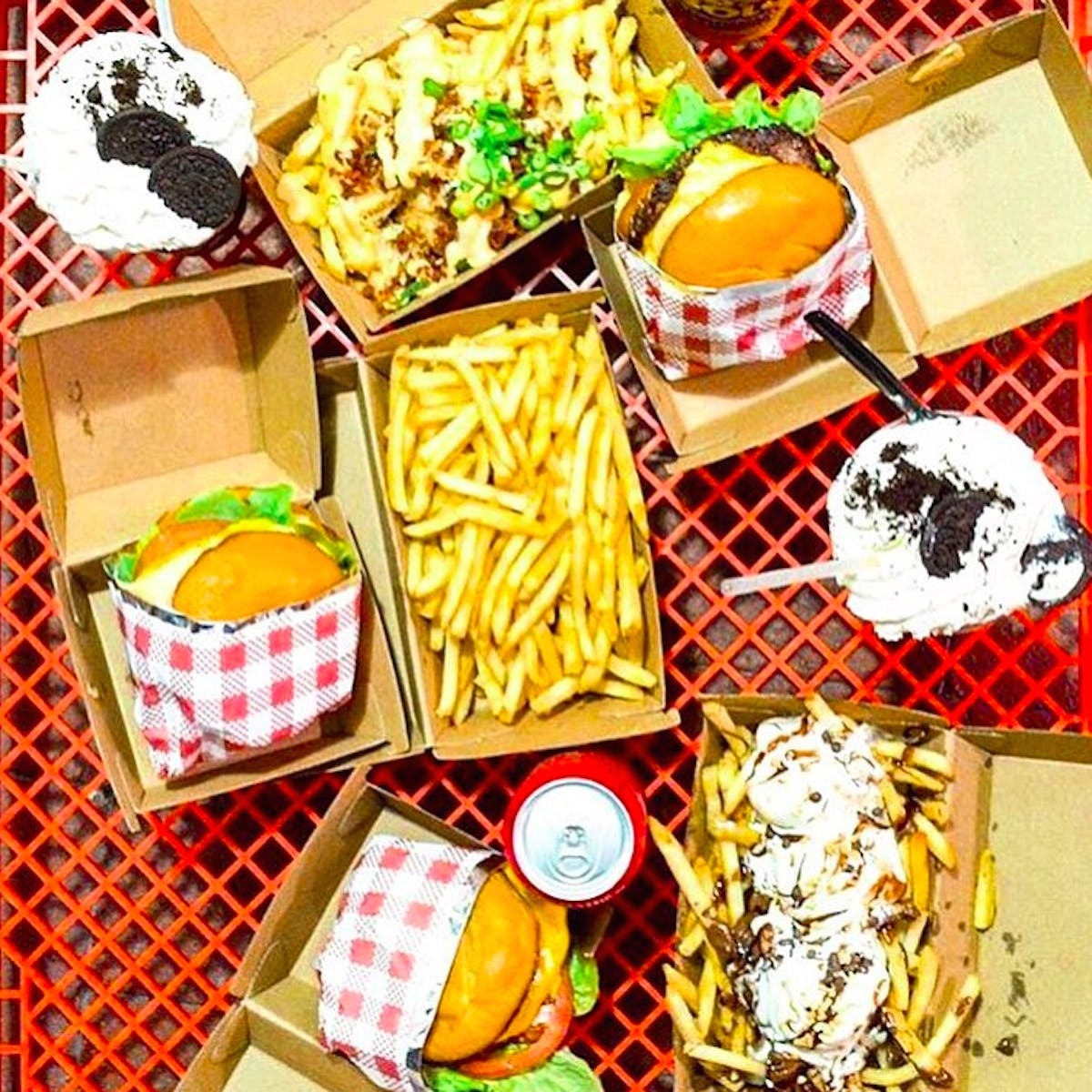 Cali Burgers - Pubs and Clubs