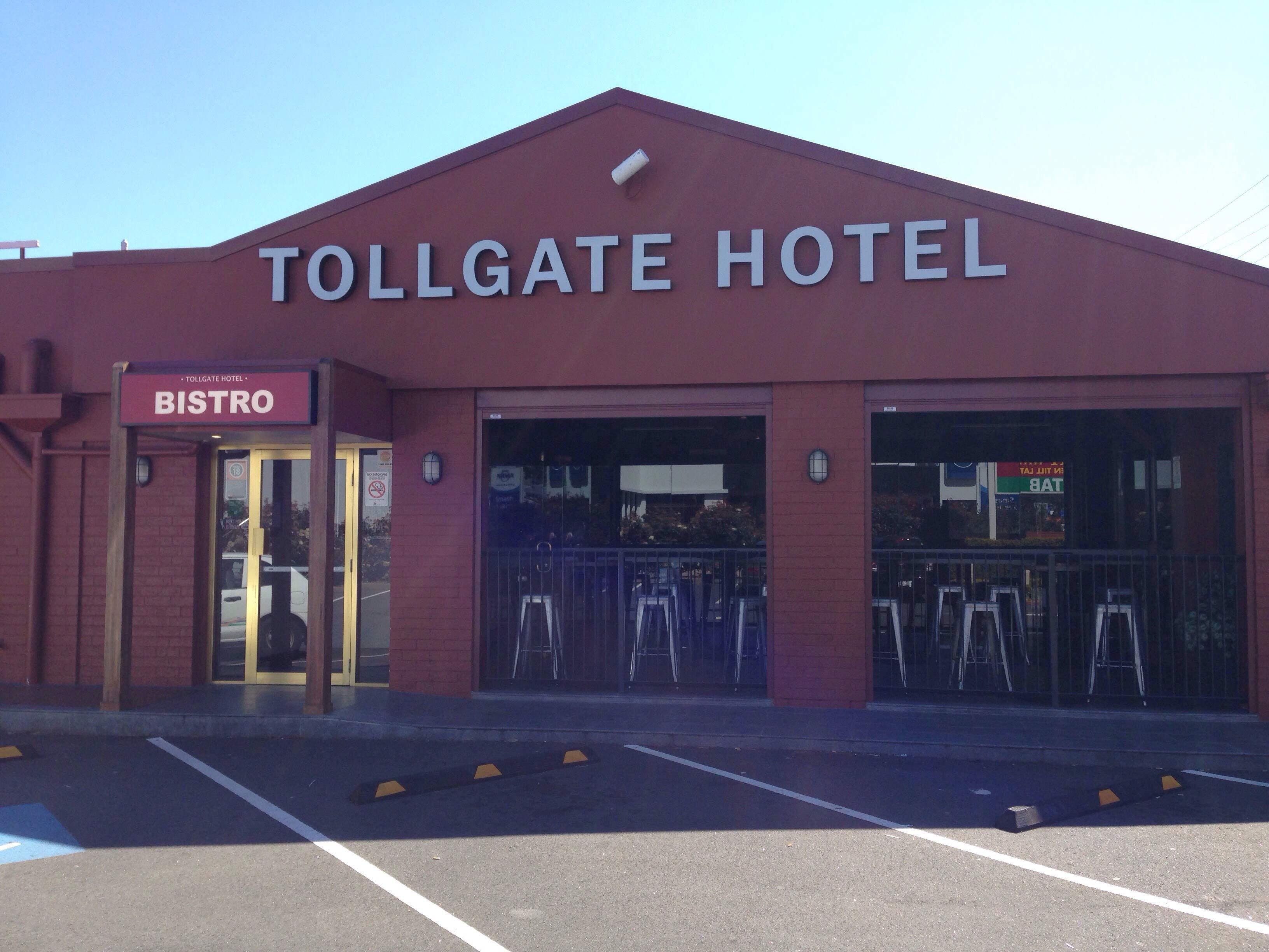 Tollgate Bistro - Pubs and Clubs