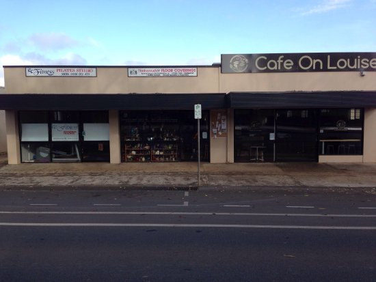 Cafe On Louise - Pubs and Clubs