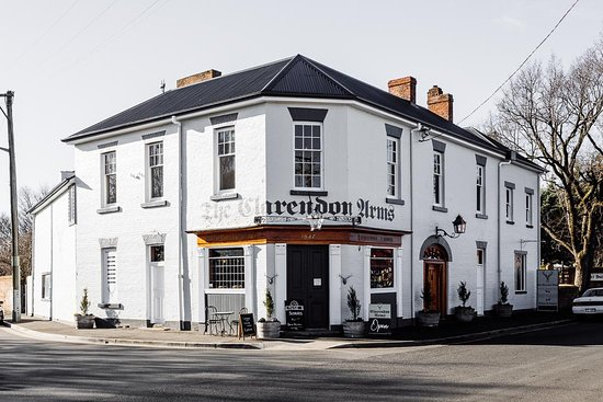 Clarendon Arms Hotel - Pubs and Clubs