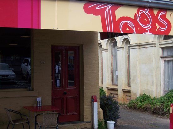 Tog's Place - Pubs and Clubs