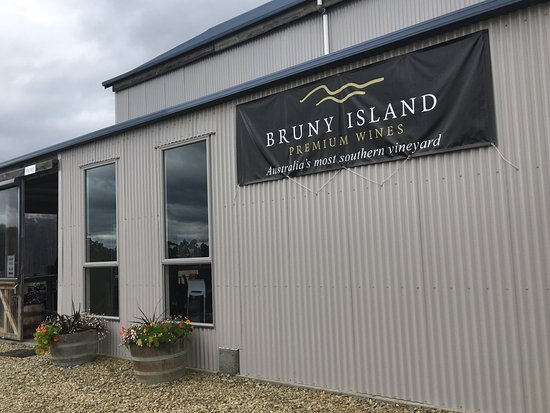 Bruny Island Wines Grill - Pubs and Clubs