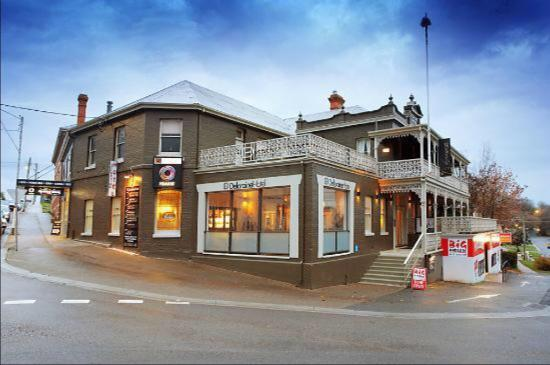 Deloraine Hotel Restaurant - Pubs and Clubs